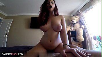 Gatavirtual com a morena de peitos lindos fazendo um sexo anal bem violento