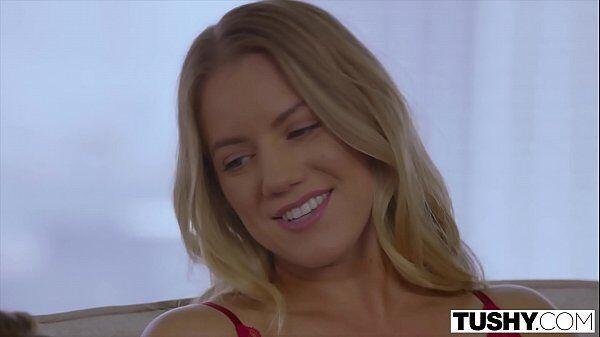 Mulheres famosas nuas com essa loira safada fazendo um bom porno bem gostoso