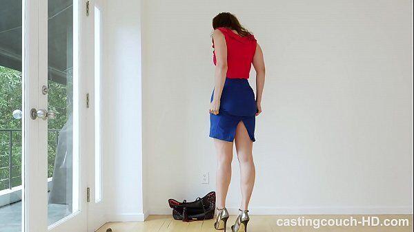 Novinhas porn uma safada que é alta e toda magrinha transando bem gostoso com um negão