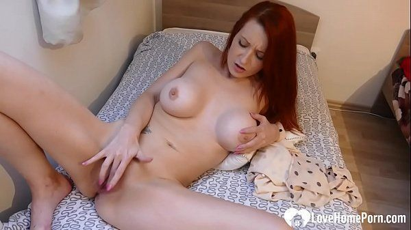 Red tube porn novinha peituda na siririca