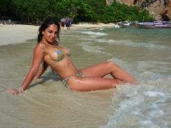 عکس سکسی مرسدس خانی در ساحل دریا
