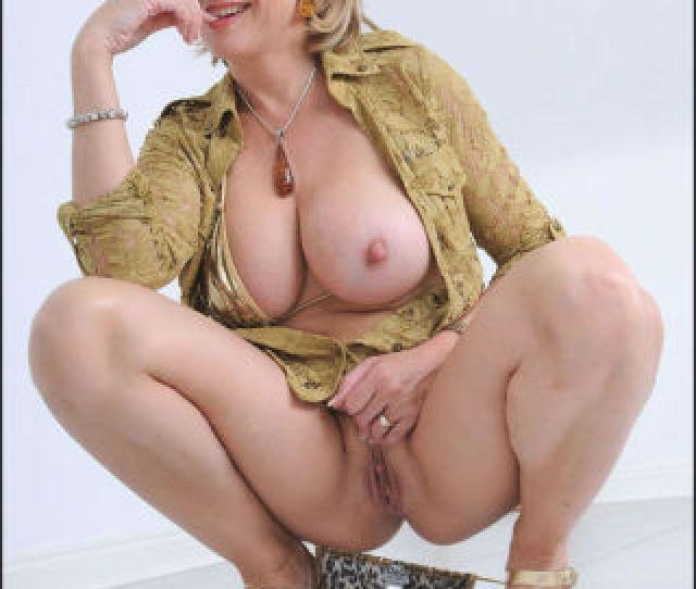 Big Tit Mom Porn Captivating Magnificent Big Tits Mature Babe