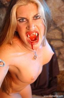 Aria_VampireSlut_0129
