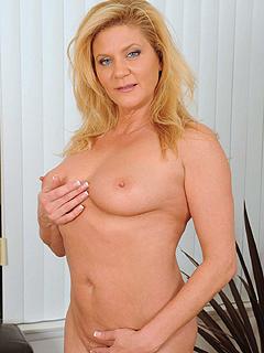 Ginger Lynn