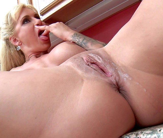 Blonde Milf Ryan Conner Takes Pussy Creampie In The Kitchen From Her Step Son Xxxymovies Com