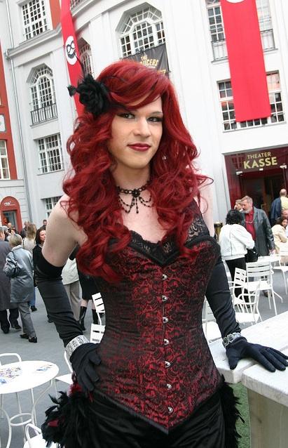 Nina la petite - Kidman travesti crossdresser