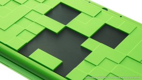 New Nintendo 2DS LL Minecraft Creeper Edition