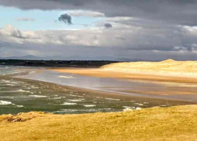 Tullan Strand one of the many Irish beaches to explore