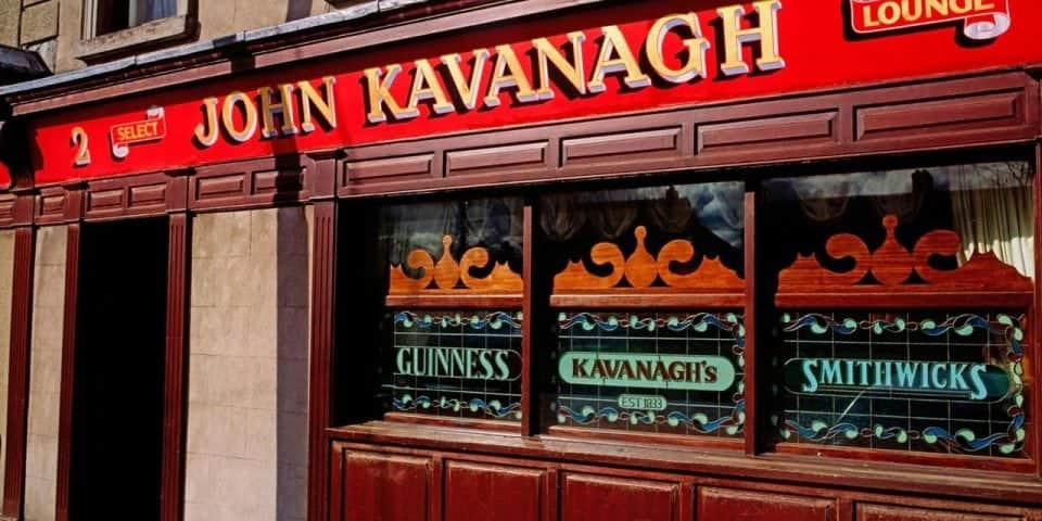 visiting Ireland means finding some cool pubs, this is known as the gravediggers pub near Glasnevin tiny and intimate the celebs love it at the John Kavanagh