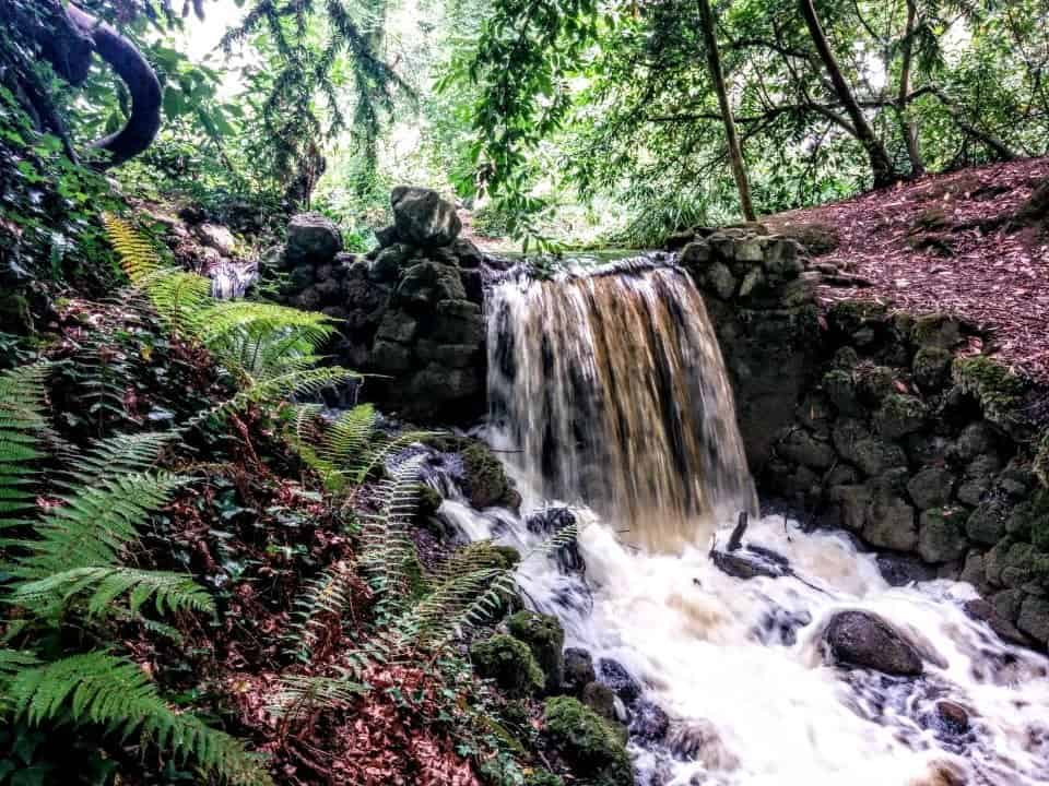 discovering glens and waterfalls getting lost in Ireland