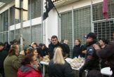 2013-xx-xx - Ο Ρουπακιάς στην Τοπική ΧΑ Νίκαιας - Μοίρασμα τροφίμων - 20