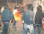 1985-05-09 - Χημείο Πρώτη κατάληψη μετά την απαγόρευση συγκέντρωσης διαμαρτυρίας στην πλατεία για επιχειρήσεις αρετής-17 - ksylo aneleito