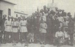 1944: Γερμανοτσολιάδες, Ιωάννης Πλυτζανόπουλος, Γ. Σγούρος και πιθανόν Θ. Σγούρος (Μπέμπης) πιθανόν πριν το μπλόκο στην Κοκκινιά.