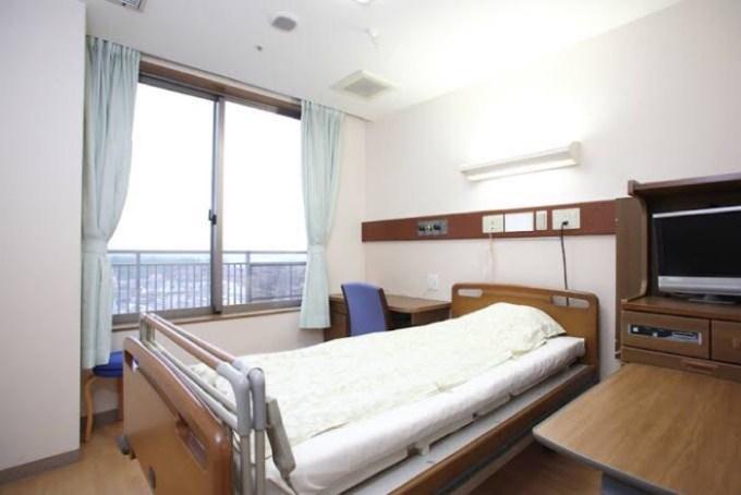 病院のベッドの画像