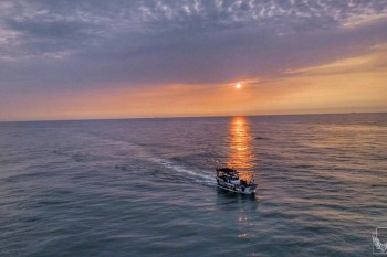 新竹免費旅遊景點推薦!網帥網美限時拍照打卡,國家地理雜誌經典黃框登陸南寮漁港
