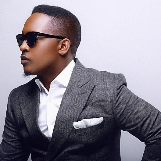 #NewVideo – MI Abaga Battles Himself In The Chaiman Cypher