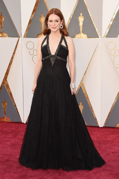 88th+Annual+Academy+Awards+Arrivals+julian moore chanel