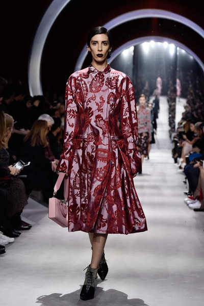 Christian+Dior+Runway+Paris+Fashion+Week+Womenswear+1oN_Tn6mbmfl