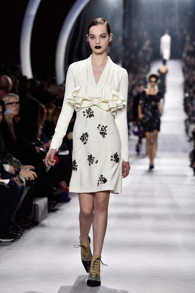 Christian+Dior+Runway+Paris+Fashion+Week+Womenswear+8lcVPKvrqotl