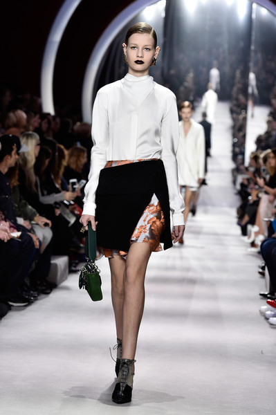 Christian+Dior+Runway+Paris+Fashion+Week+Womenswear+BLcGUk24rbSl