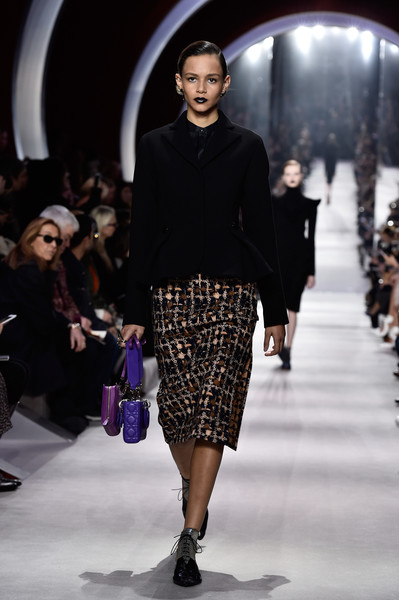 Christian+Dior+Runway+Paris+Fashion+Week+Womenswear+iLVj8NAUc9Cl