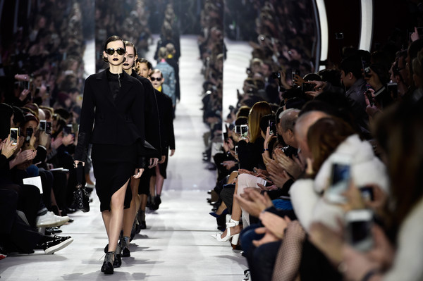 Christian+Dior+Runway+Paris+Fashion+Week+Womenswear+pRuAhTU4RZKl