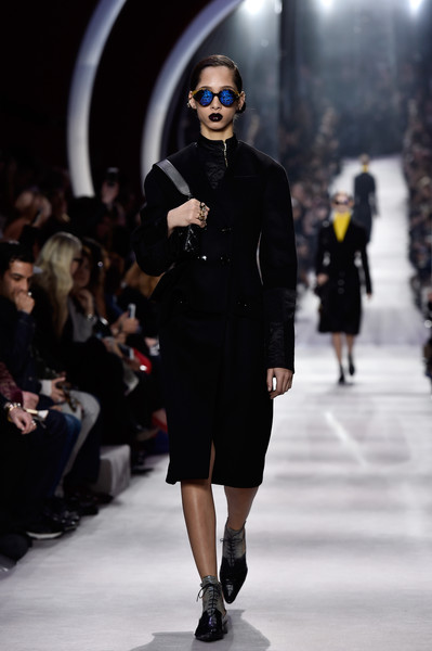 Christian+Dior+Runway+Paris+Fashion+Week+Womenswear+WHgctIbWxTDl