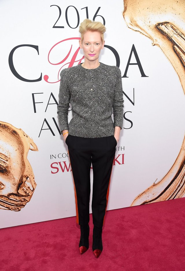 tilda-swinton-cfda-awards-2016