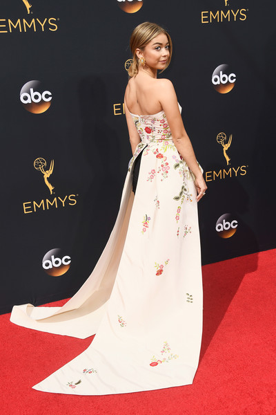 68th-annual-primetime-emmy-awards-yaasomuah-sarah-hyland
