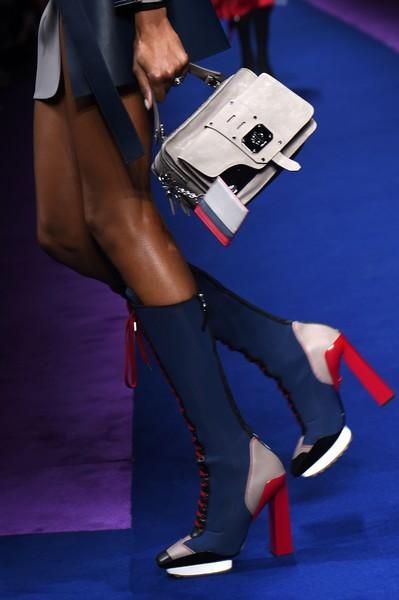 versace-milan-fashion-week-yaasomuah-2016-1