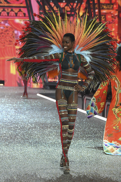 Fabulous Moments At The 2016 Victoria's Secret Fashion Show: Lady Gaga, Maria Borges, Kendall Jenner & More