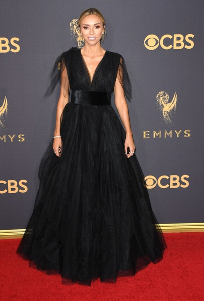 69th-Annual-Primetime-Emmy-Awards-Giuliana-Rancic-emmys-2017