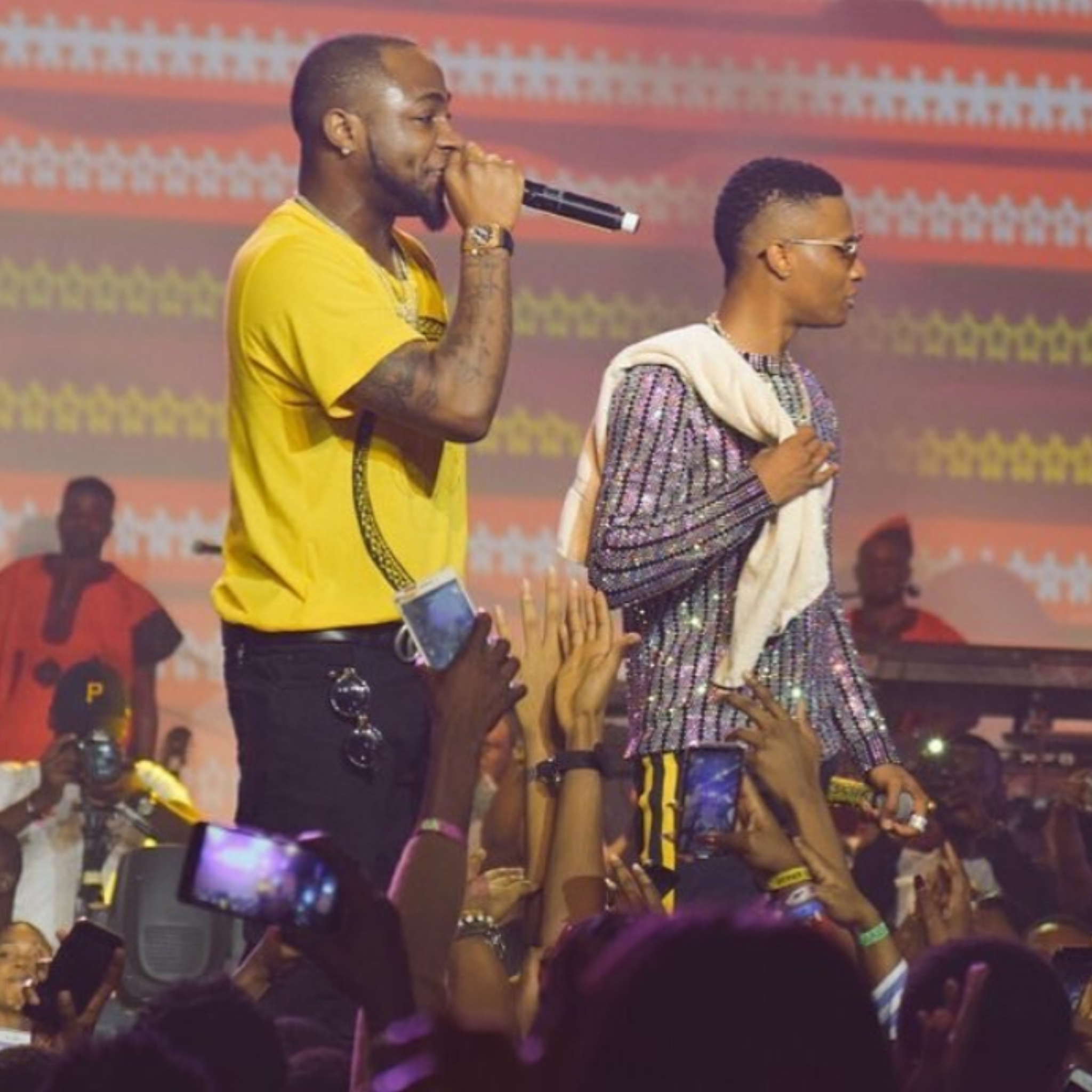 Truce? Watch Wizkid and Davido Perform Together