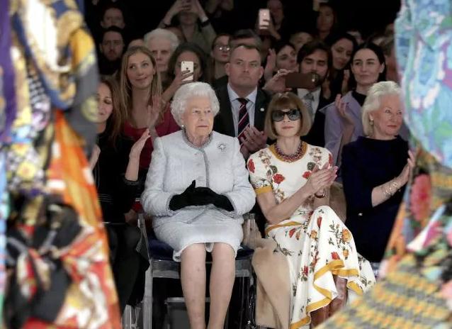queen-elizabeth-london-fashion-week