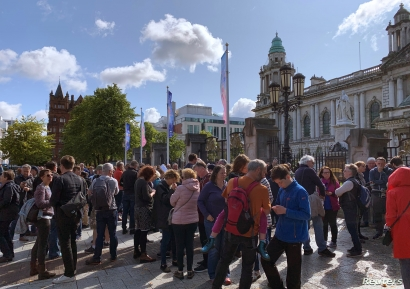 A crowd gathers to protest against British Prime Minister Boris Johnson's decision to suspend parliament, in Belfast, Northern Ireland August 31, 2019. REUTERS/Amanda Ferguson NO RESALES. NO ARCHIVES.