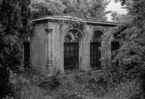 Dalgleish Mausoleum at West Kirk, Culross