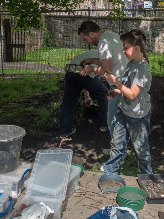Sieving and backfilling