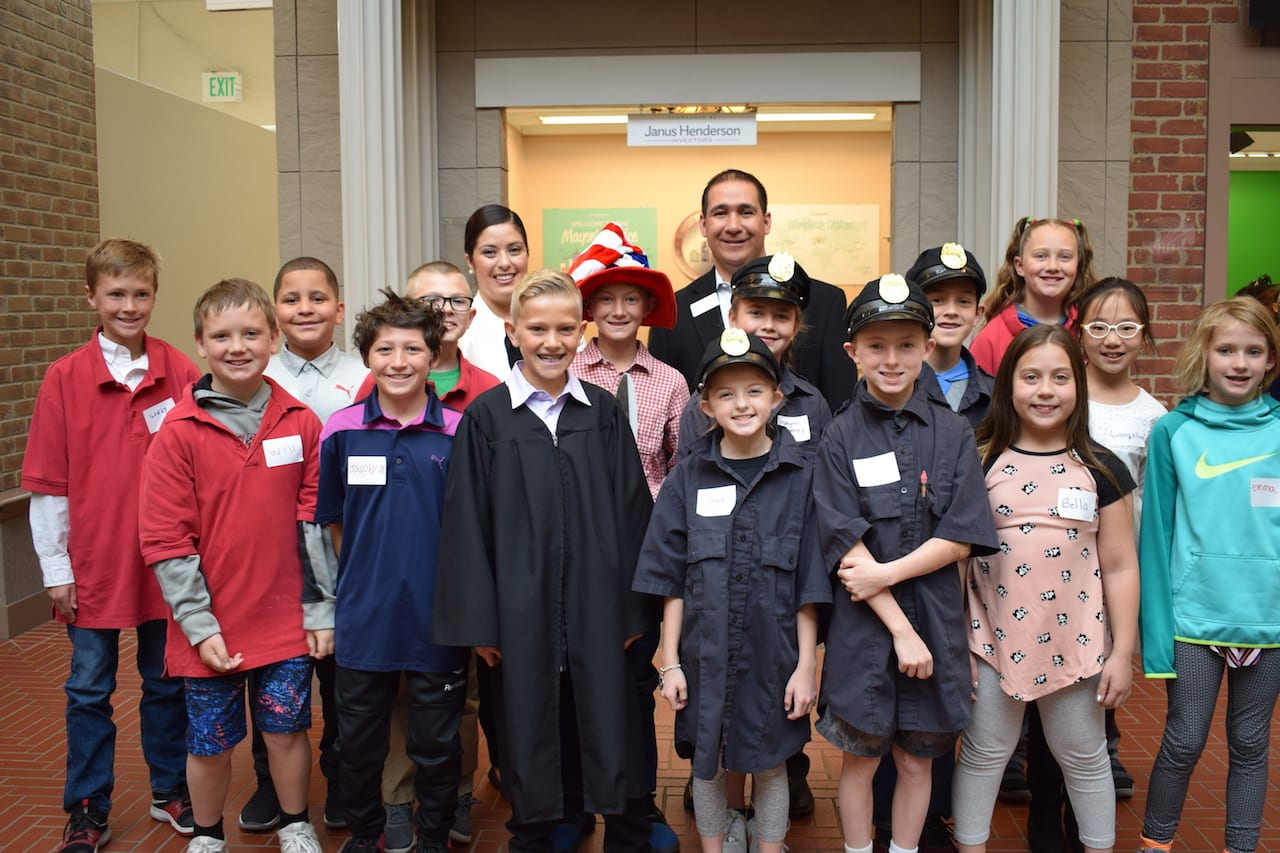 Ameritowne Students Meet Government Official