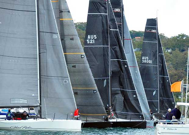 Saturday start Ghost Rider in the foreground – MC38 Winter Series © Bob Fowler