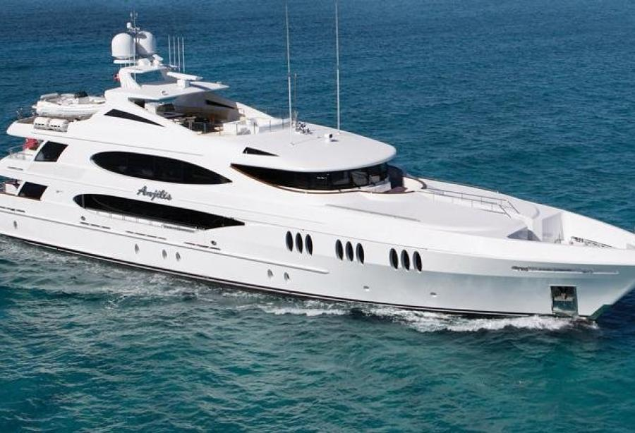 Motor Yacht Reef Chief Trinity Yachts Yacht Harbour