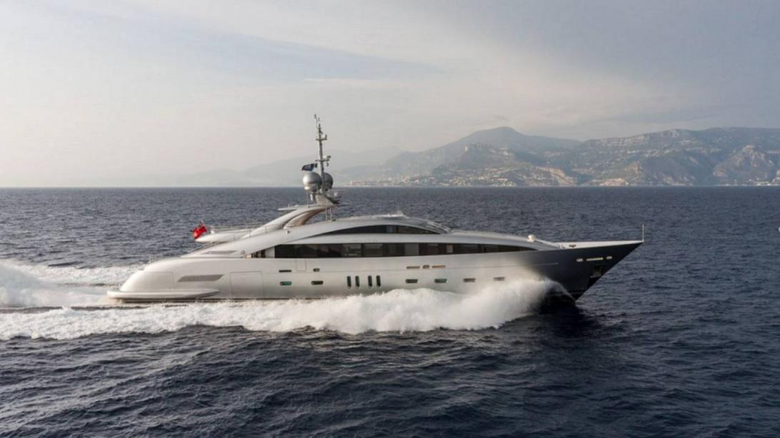 Motor Yacht Silver Wind ISA Yacht Harbour