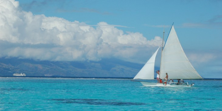 Navegar en vela por Tahiti