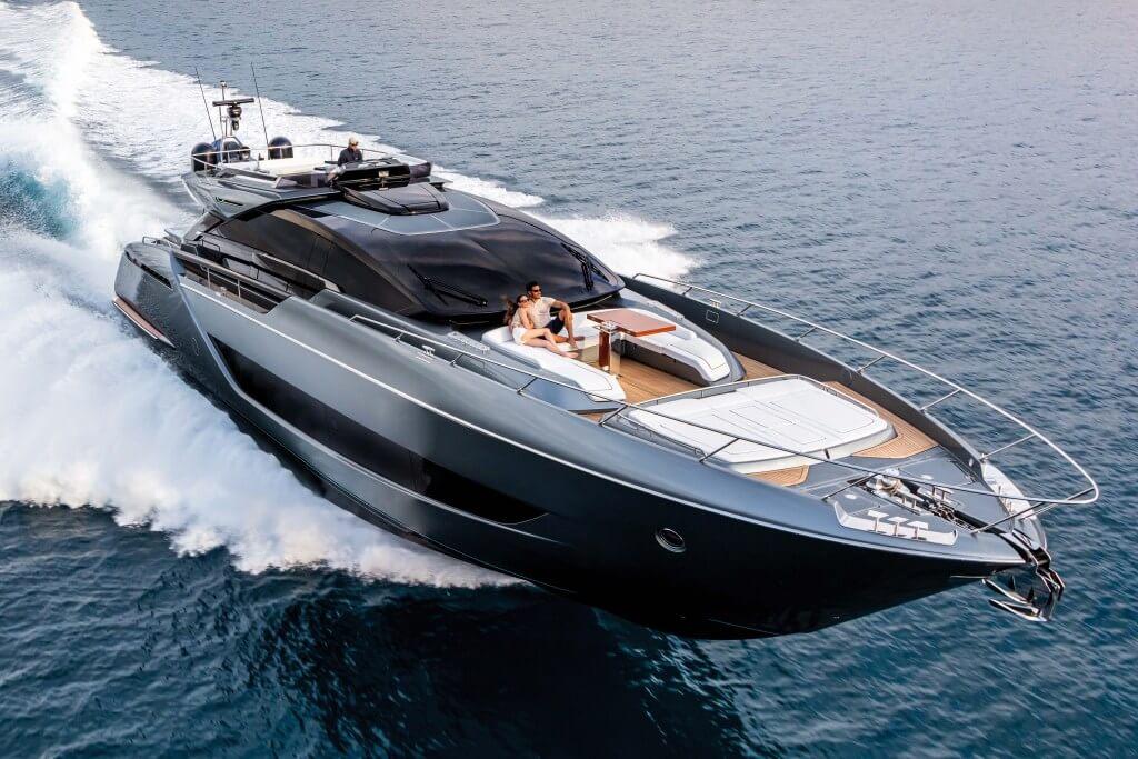 riva super jacht bootlaars luxe