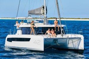Leopard, 42, sailing, catamaran, cat, boat, yacht, new, premiere, Simonis Voogd, Robertson & Caine