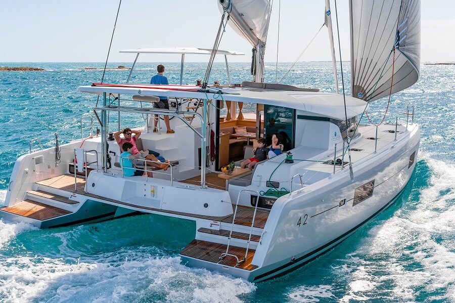 Simpson Yacht Charter, Charter, Yacht, Hong Kong, Sanlorenzo, lagoon, SX76