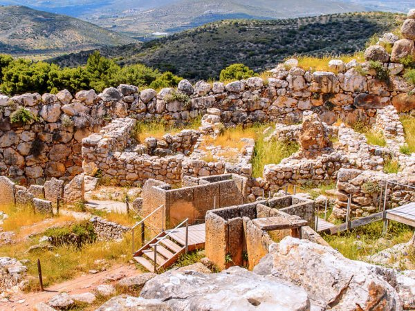 choose mycenae peloponnese for your summer vacations in greece and rent a villa from our luxurious collection
