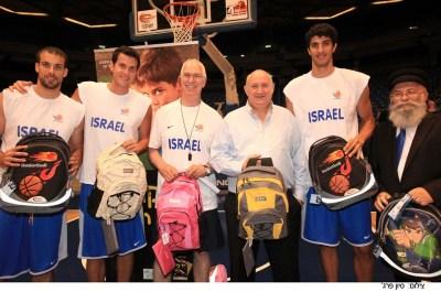 From right: Rabbi Globerman, Lior Eliyahu, Itzik Abrchn, Eric Lubeck, Guy pearls, Halperin. Photo Sivan Farag