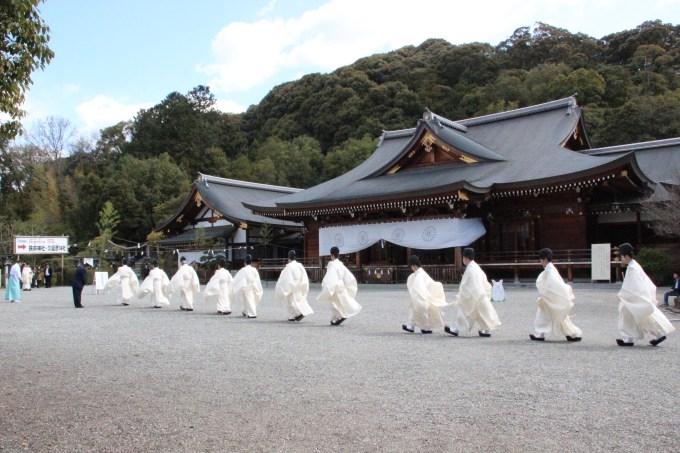 春分の日]奈良 大神神社 春季皇霊祭遥拝式 | はる家 | HARUYA【公式 ...