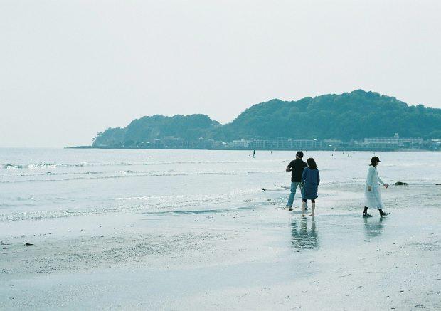初夏の浜は時間がゆっくり流れています。