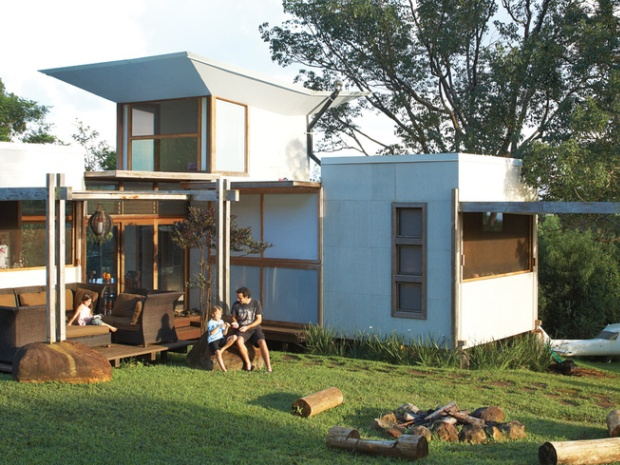 00_gamby-residence-facade-family-portrait